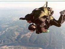 Salto Tandem após demonstração de Basquetebol no Regimento de Paraquedistas em Tancos - 1996
